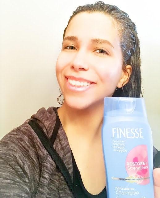 Finesse-Restore-Strengthen Shampoo-demonstration