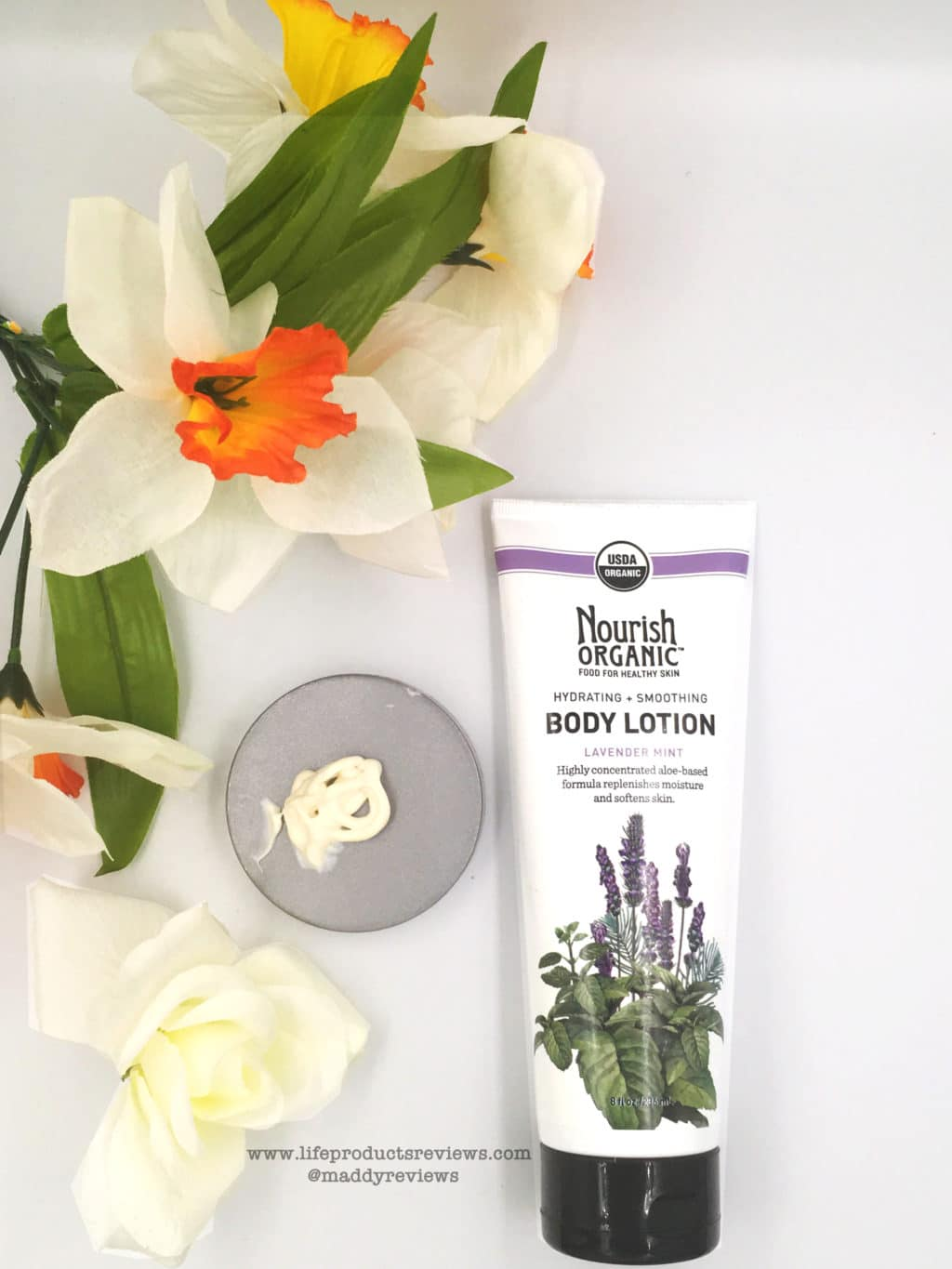 Nourish Organic Lavender Mint Body Lotion demonstration consistency look feel sensitive skin all skin types